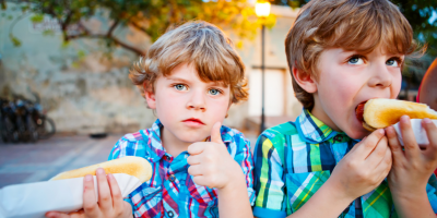 kids eating hot dogs back to school